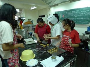 光榮國中部食品科體驗課程