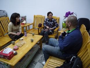 與勤益科大休管系陳主任洽談產學攜手合作計畫