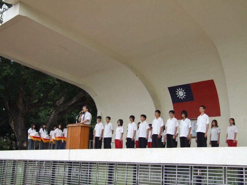 教務處劉主任鼓勵全校三年級同學努力獲取亮麗成績